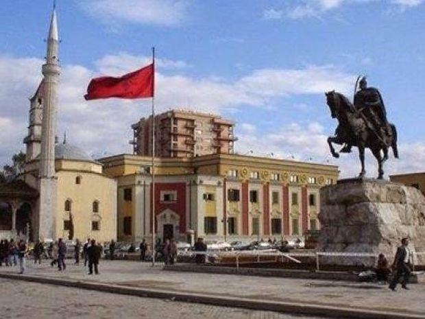 Αποκάλυψη! Να τι διδάσκουν στα αλβανικά σχολεία της Ελλάδας!