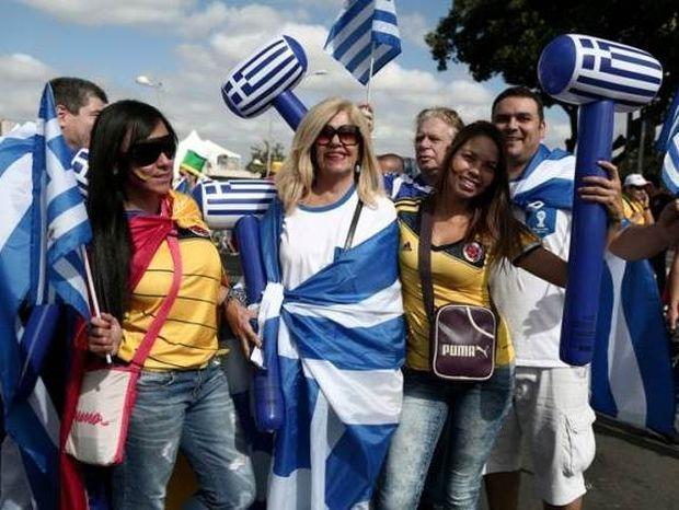 Ελλάδα - Κολομβία: Ξεχωρίζουν οι τσολιάδες (photos)