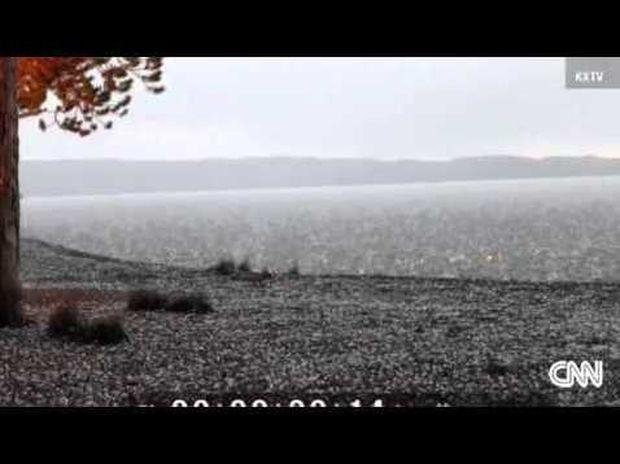 ΕΝΤΥΠΩΣΙΑΚΟ: Πώς φαίνεται ο κεραυνός από κοντά όταν χτυπά το έδαφος (βίντεο)