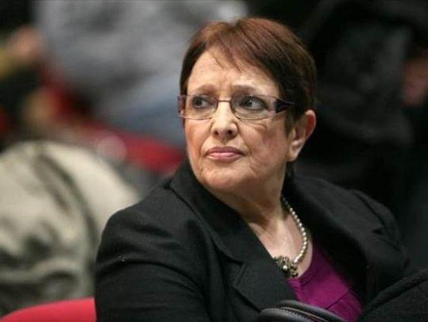 Βουλή: Ξεκαρδιστικές ατάκες της Παπαρήγα για τη βαριά ήττα της Βραζιλίας!