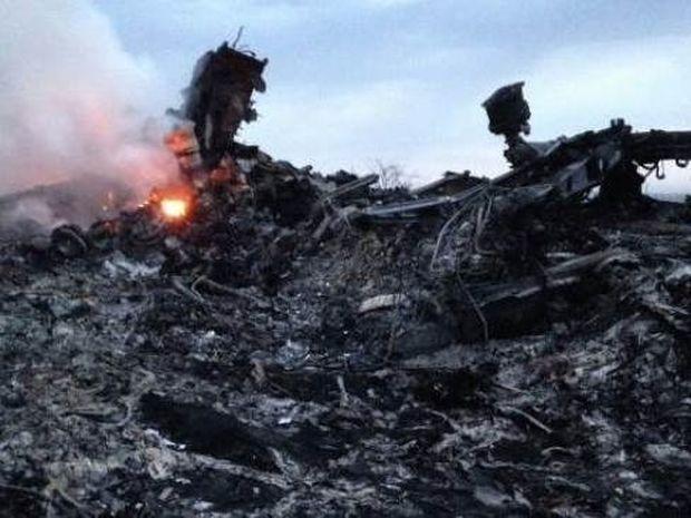 Boeing 777 - Συγκλονίζουν οι μαρτυρίες: «Έβρεχε πτώματα»