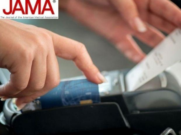 Προσοχή: Τι θα πάθετε αν πιάνετε τις αποδείξεις με γυμνά χέρια
