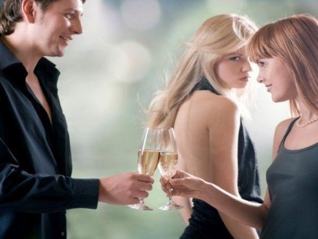 Απιστία: Θα συναντούσες την ερωμένη αν ήξερες ποια είναι;