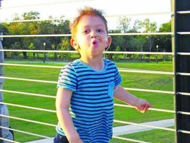 Δεκαπενταύγουστος 2014: Θαύμα! Ο μικρός Λουκάς νίκησε τον σπάνιο καρκίνο!