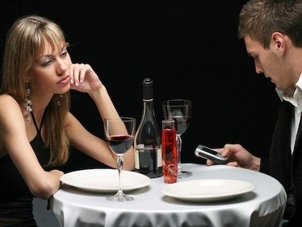 Η 8η αίσθηση των γυναικών: Οσμίζονται την απιστία!
