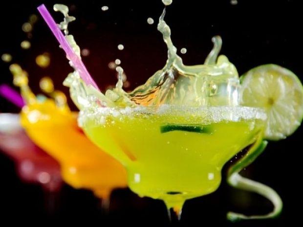 Τα 7 πιο υγιεινά αλκοολούχα κοκτέιλ (και οι θερμίδες τους)