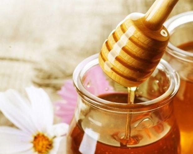 Μάσκα προσώπου με μέλι ενάντια στις ρυτίδες