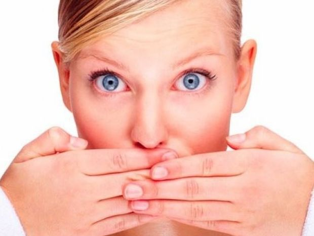 Άσχημη αναπνοή; Νικήστε την μια και καλή με αυτά τα 10 απλά tips!
