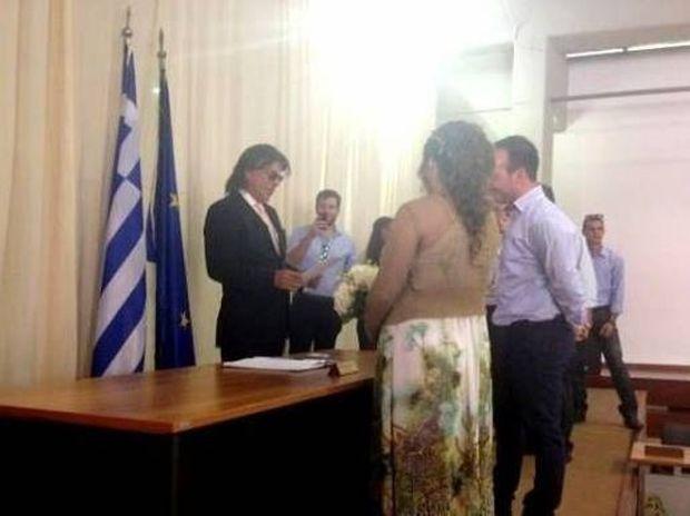 Ψινάκης: Ο πρώτος γάμος του Δημάρχου Μαραθώνα, η ενόχληση και η απίστευτη ευχή που έδωσε