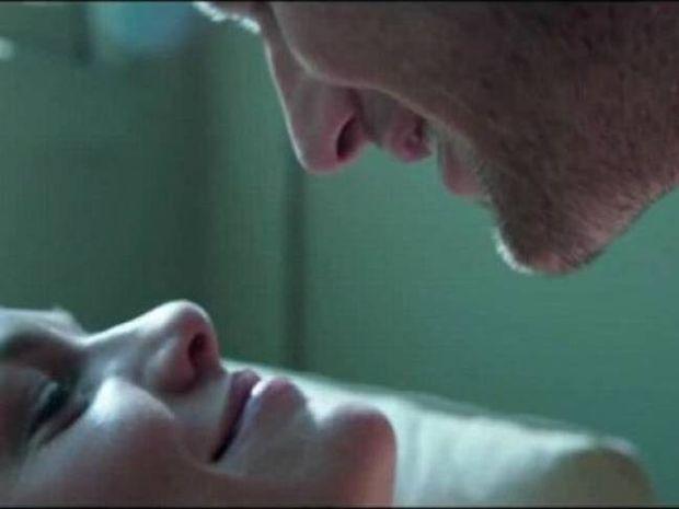 Σκηνές σεξ: Δείτε πώς γυρίζεται μια αισθησιακή σκηνή! Μπορεί και να σας πιάσουν τα γέλια