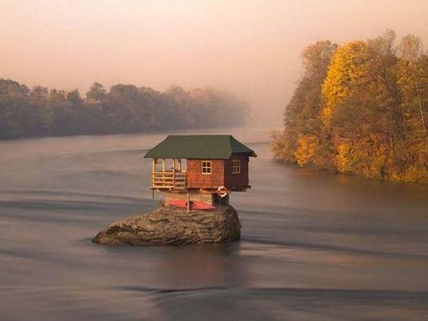 Το πιο μοναχικό σπίτι στον κόσμο!! (pics)