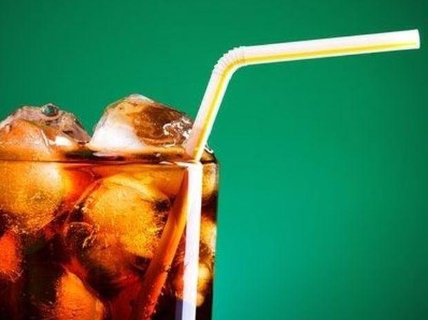 Τι κακό μπορεί να πάθω αν πίνω πολύ cola;