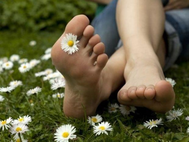 Τρεις σωτήριες λύσεις για τα πόδια που μυρίζουν