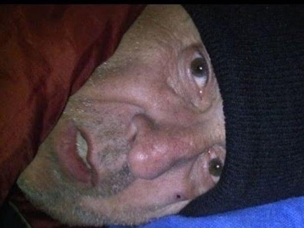 Ο καθημερινός αγώνας επιβίωσης ενός άστεγου (video)