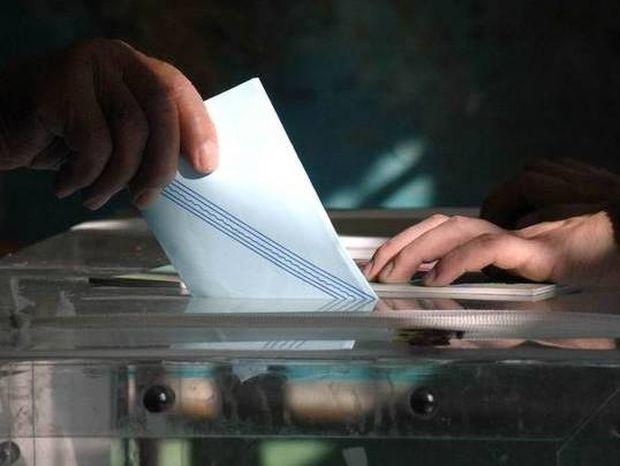 Η κοινωνία «βράζει» ενόψει εκλογής ΠτΔ