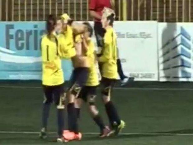 Γυναικείο Ποδόσφαιρο: Σκόραρε και μας τα... έδειξε (video)