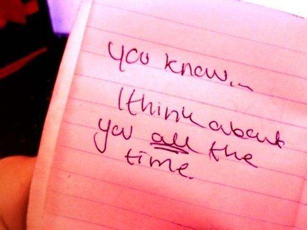 Έρωτας: Σημάδια ότι είσαι εξαρτημένη από εκείνον...