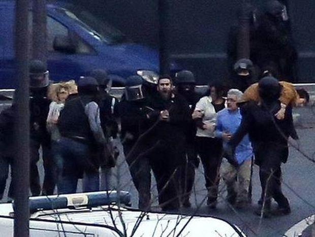 Charlie Hebdo: Νεκροί οι τρεις δράστες και τέσσερις όμηροι