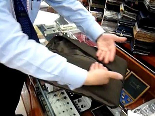 Δείτε πως να διπλώσετε ένα κοστούμι χωρίς να τσαλακωθεί