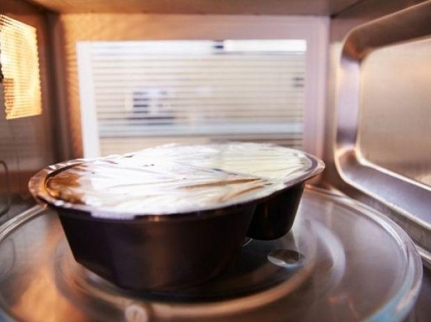 Φούρνος μικροκυμάτων & πλαστικά: Τι πρέπει να γνωρίζετε