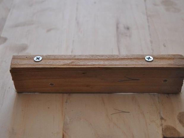 Μάζεψε κάποια τυχαία κομμάτια ξύλου και δείτε τι έφτιαξε!