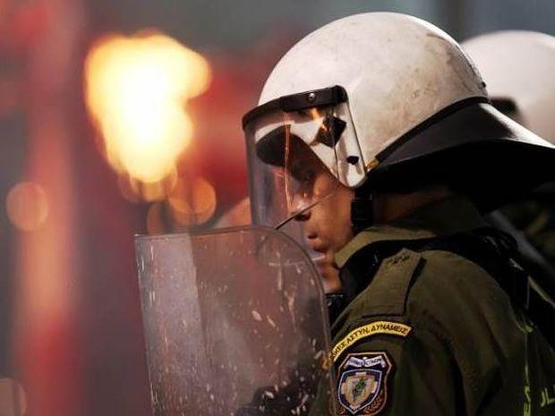 Συνελήφθη 20χρονος με… οπλοστάσιο σε αγώνα μπαράζ! (photo)