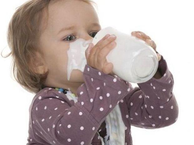Να τι πρέπει να κάνετε αν το παιδί σας δεν πίνει γάλα