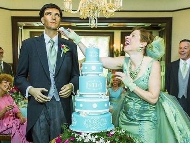Της έλεγαν να παντρευτεί και να κάνει οικογένεια! Δείτε τι έκανε αντ' αυτού! (εικόνες)