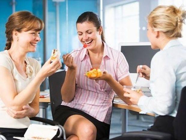 Δίαιτα και εργασία: Πώς να χάσει κιλά ένας εργαζόμενος