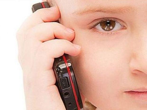 Πότε είναι πραγματικά απαραίτητο το κινητό σε ένα παιδί; Από την ψυχολόγο Αλεξάνδρα Καππάτου