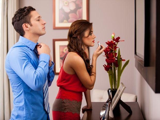 Πώς αντιδρούν οι άντρες του ζωδιακού περιμένοντας να φτιαχτεί η καλή τους;