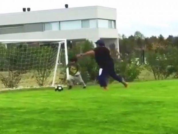Το νέο αστέρι του παγκοσμίου ποδοσφαίρου (video)