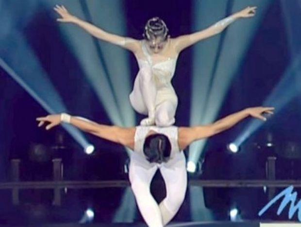 Αυτοί οι χορευτές αψηφούν τη βαρύτητα και μαγεύουν! Δείτε το βίντεο και θα καταλάβετε!