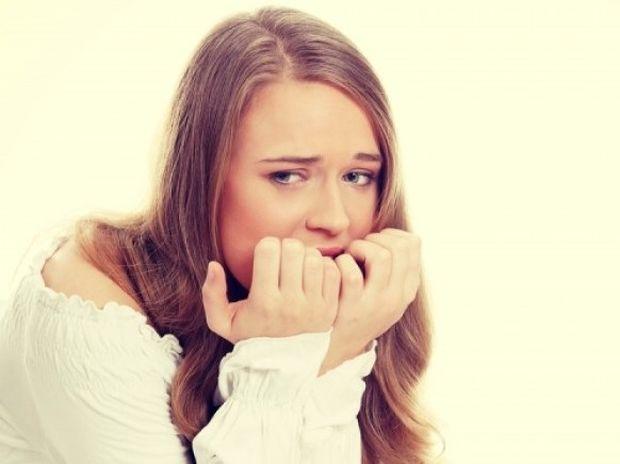 Τρώτε συνέχεια τα νύχια σας; Δείτε τι δείχνει για την προσωπικότητά σας