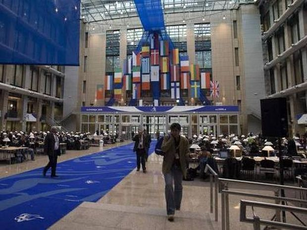 Ραγδαίες εξελίξεις: Πυρετώδεις διαβουλεύσεις για την Ελλάδα στις Βρυξέλλες