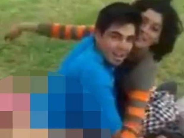 Οργισμένος οδηγός ταξί «συλλαμβάνει» ζευγάρι να κάνει σεξ δίπλα σε παιδική χαρά! (video)