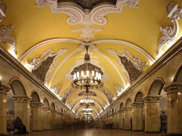 Θεωρείται το πιο όμορφο μετρό του κόσμου! Θαυμάστε το μετρό της Μόσχας...