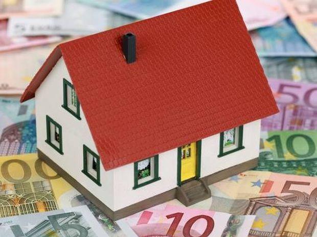 Κόκκινα δάνεια: Στο «σφυρί» εν μία νυκτί οι περιουσίες των Ελλήνων