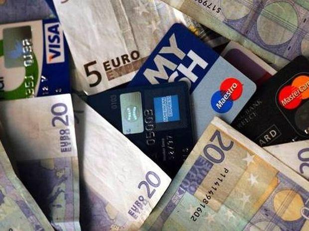Σύνδεση του αφορολόγητου με τη χρήση «πλαστικού» χρήματος