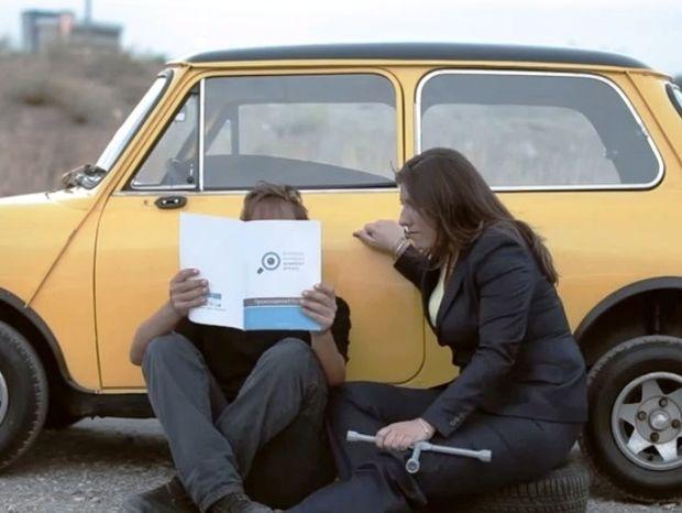 Επικό! Μόλις κυκλοφόρησε: Η Ζωή αυτοτρολάρεται στο νέο spot της ΛΑΕ!