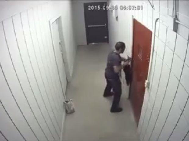 Μια του κλέφτη, δυο του κλέφτη… Δείτε την πανέξυπνη παγίδα που του έστησε ο ιδιοκτήτης! (video)