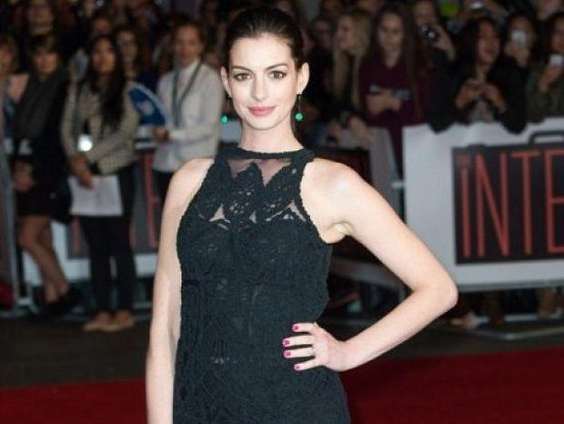 Mόλις αντιπαθήσαμε την Anne Hathaway και ο λόγος είναι αρκετά σοβαρός