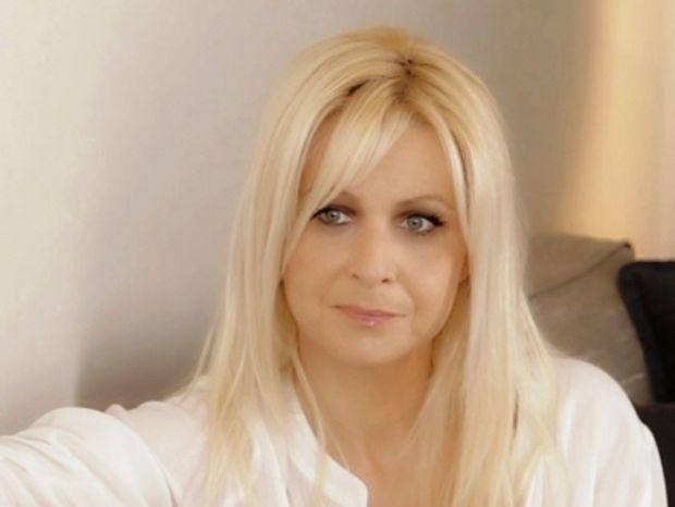 Κατερίνα Γκαγκάκη: «Κάθισα δύο ώρες με τη νεκρή μαμά μου και της είπα αυτά που ήθελα να πω»