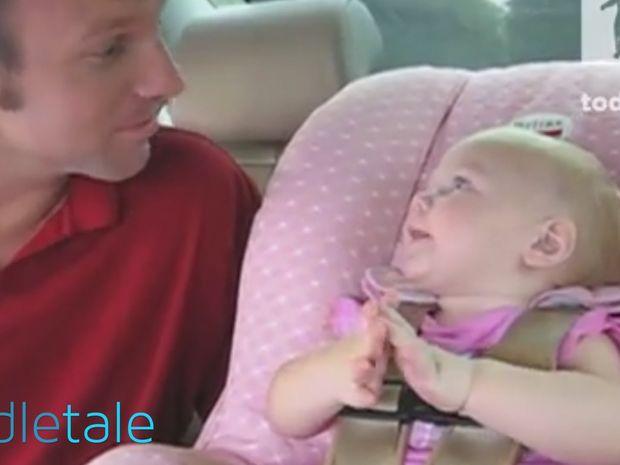 Αυτή η μικρούλα έχει πολλά να πει και δεν αφήνει κανέναν να αρθρώσει λέξη! (video)