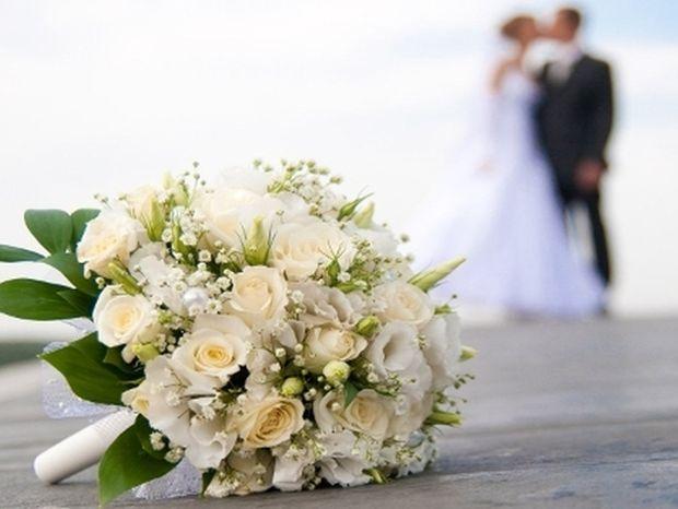 Ραφτείτε έχουμε γάμο! Παντρεύεται Έλληνας τραγουδιστής και το δηλώνει στην κάμερα!