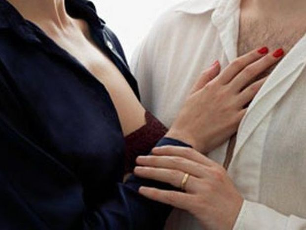 Γυναίκα που απατά: Πώς αντιδρά ο άνδρας όταν το μάθει
