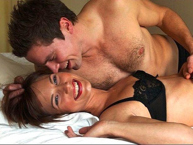 """Σεξ: Πώς να κάνεις τον άνδρα σου να νιώσει """"άρχοντας"""" απόψε"""