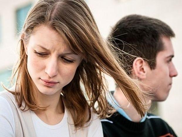 Σχέσεις: Όταν ο άνδρας προτιμά να βγει με φίλους