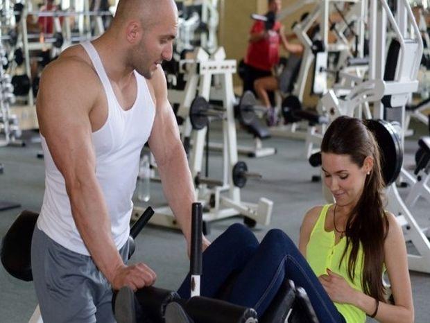 Φλερτ στο γυμναστήριο: Πώς να κάνεις γνωριμίες