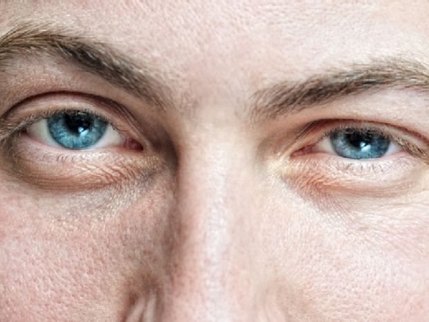 Άνδρες και συναισθήματα: Γιατί όταν του δείχνεις ότι τον θες, απομακρύνεται